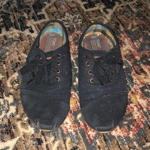 Toms Black Canvas Shoes